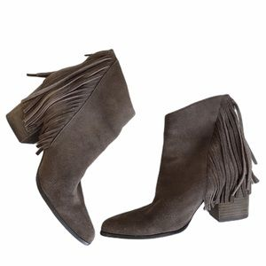 Steve Madden countryy taupe suede booties boots 10